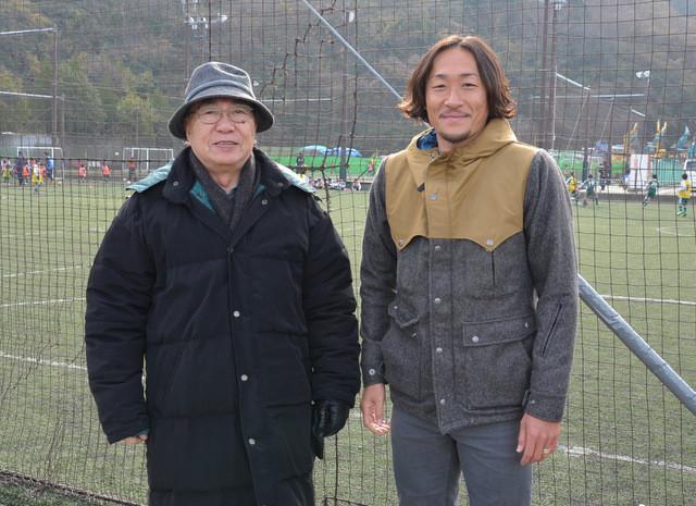 シーガルズ名誉会長と石川直宏選手
