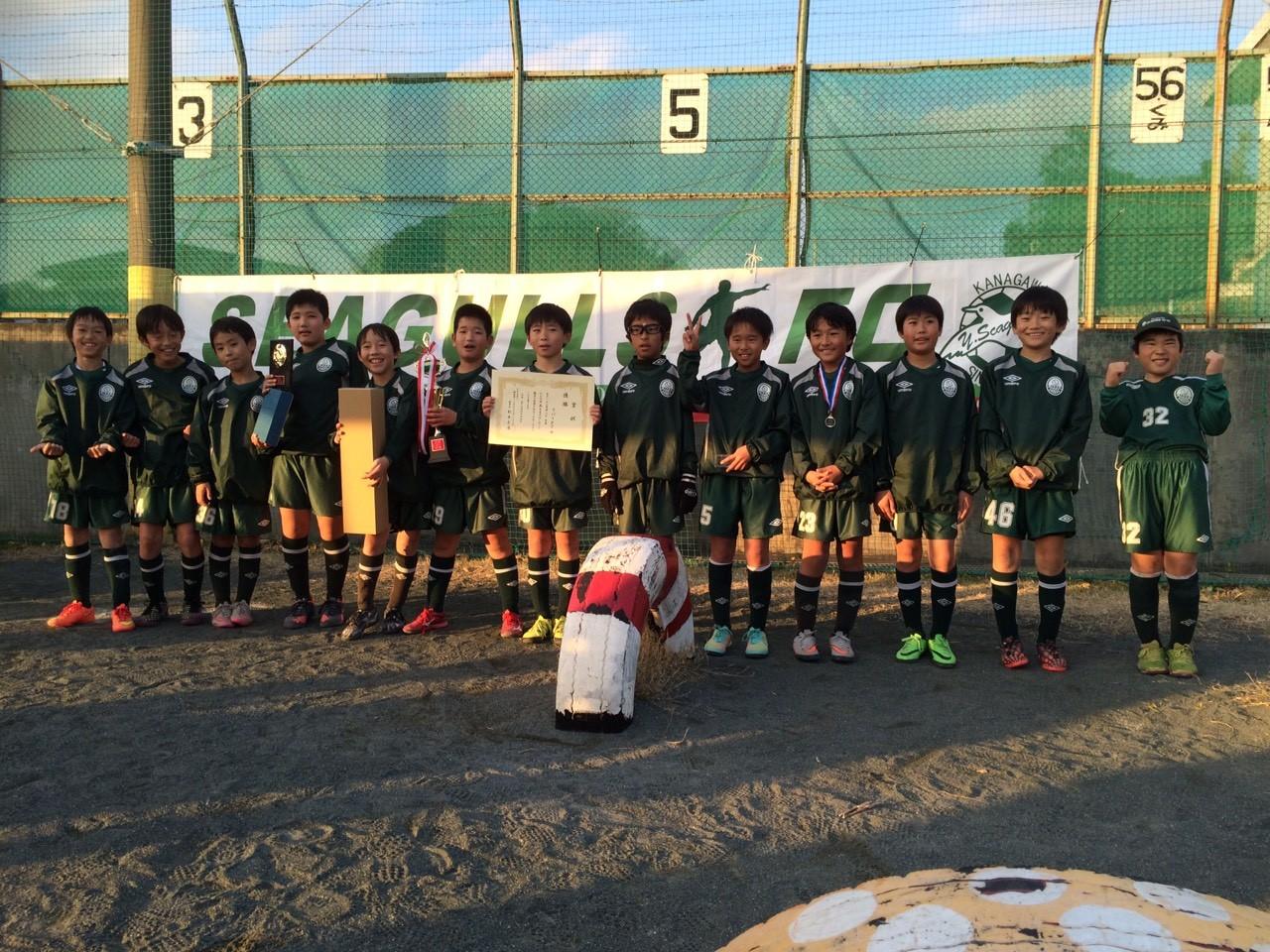 かもめ杯 U-11(5年生) 優勝(リバーFCの皆さん)