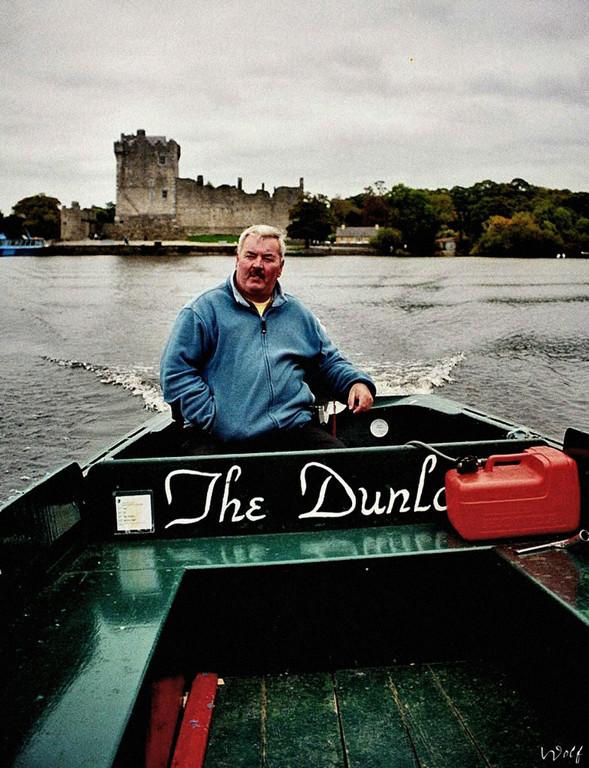 Überfahrt von Ross Castle ( letzte Bastion der Iren gegen die Truppen Cromwells, die sie 1653 eroberten )  zur Klosterinsel Innisfallen Island.