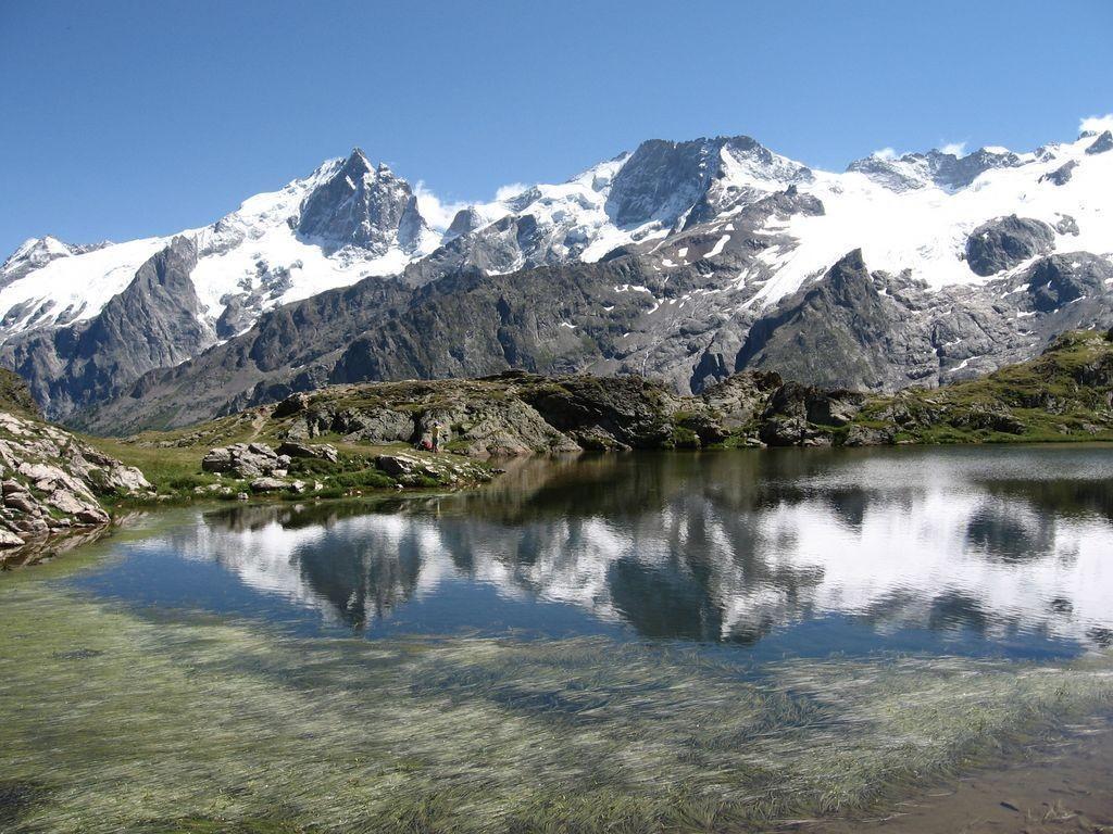 reflets de la Meije dans le lac Lérié