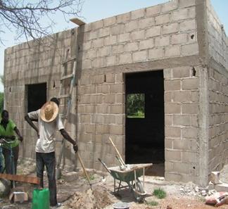 Construction du bureau du directeur du CEG