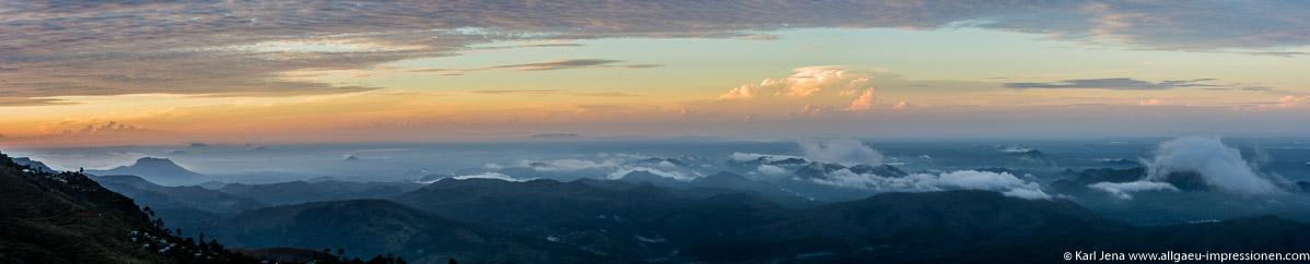 Haputale mit Blick nach Süden. Pano aus 5 Bildern gestitcht.