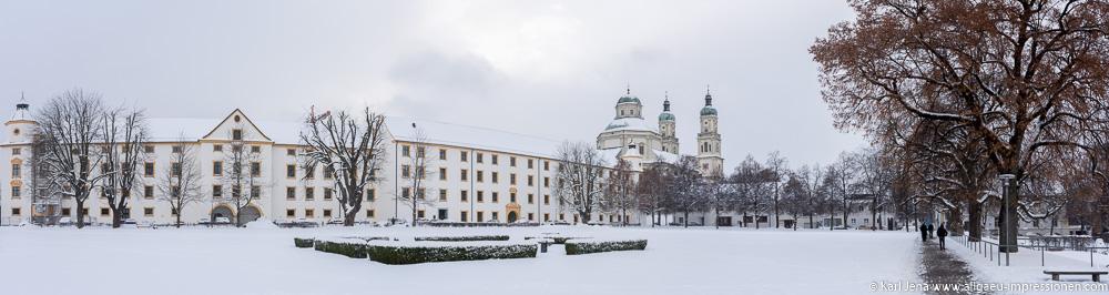 Panoramaaufnahme Residenz und Basilika St. Lorenz