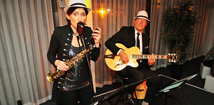 Swing for Fun - Duo in der Livemusik Lounge Ü30 Party Stadthalle Rostock