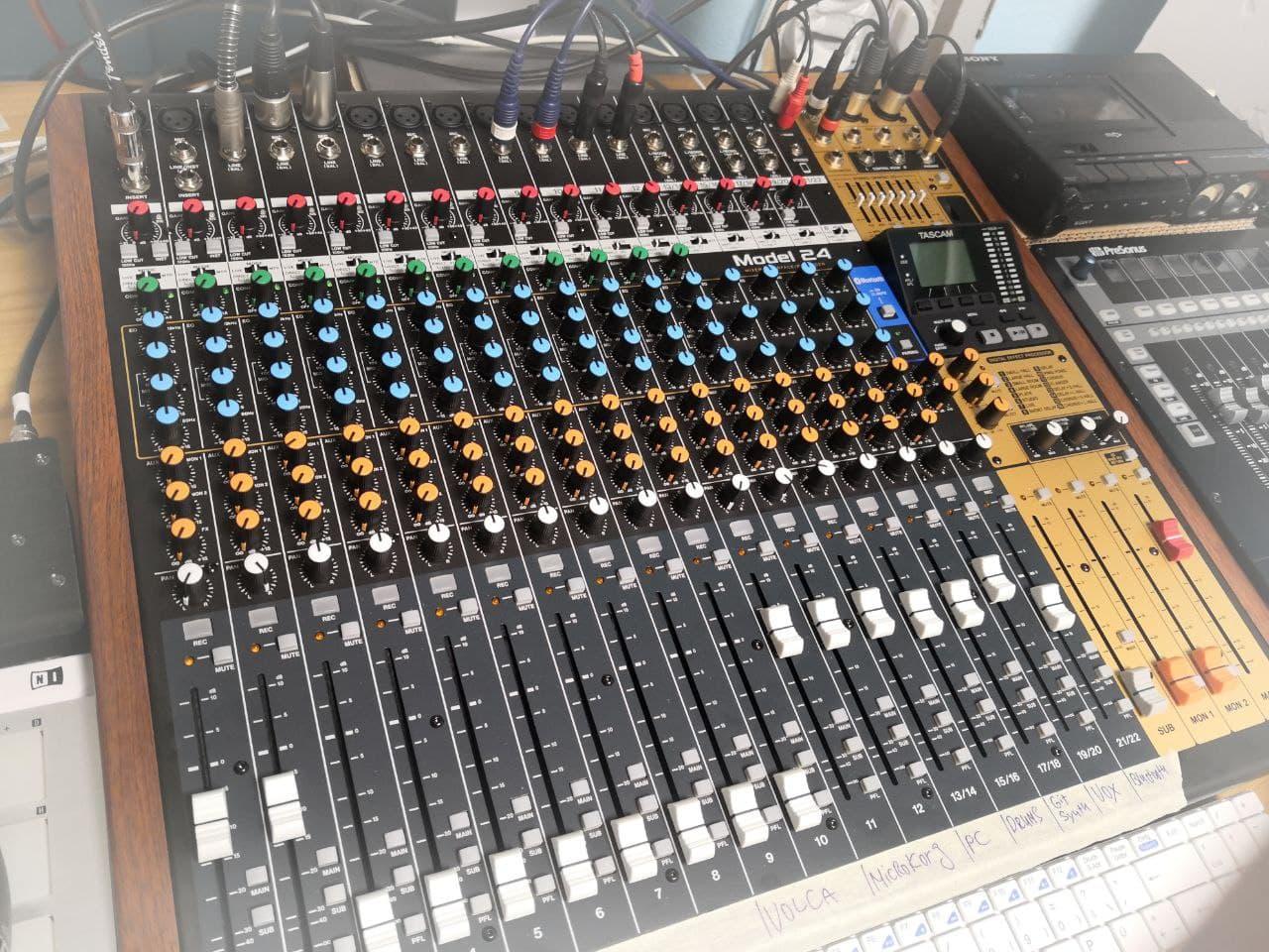 Neu im Studio: Tascam Model 24