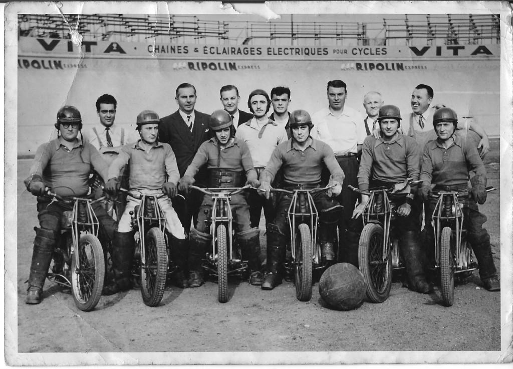 1952 champion de France avec le MBCParis Jean 2eme à gauche