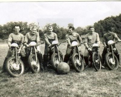 Jean 1er à gauche  Philippe 3eme