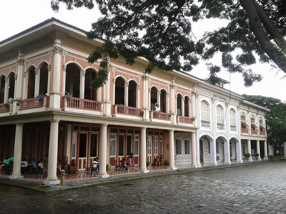 Réplique du Guayaquil ancien au parc historique à Samborondon.