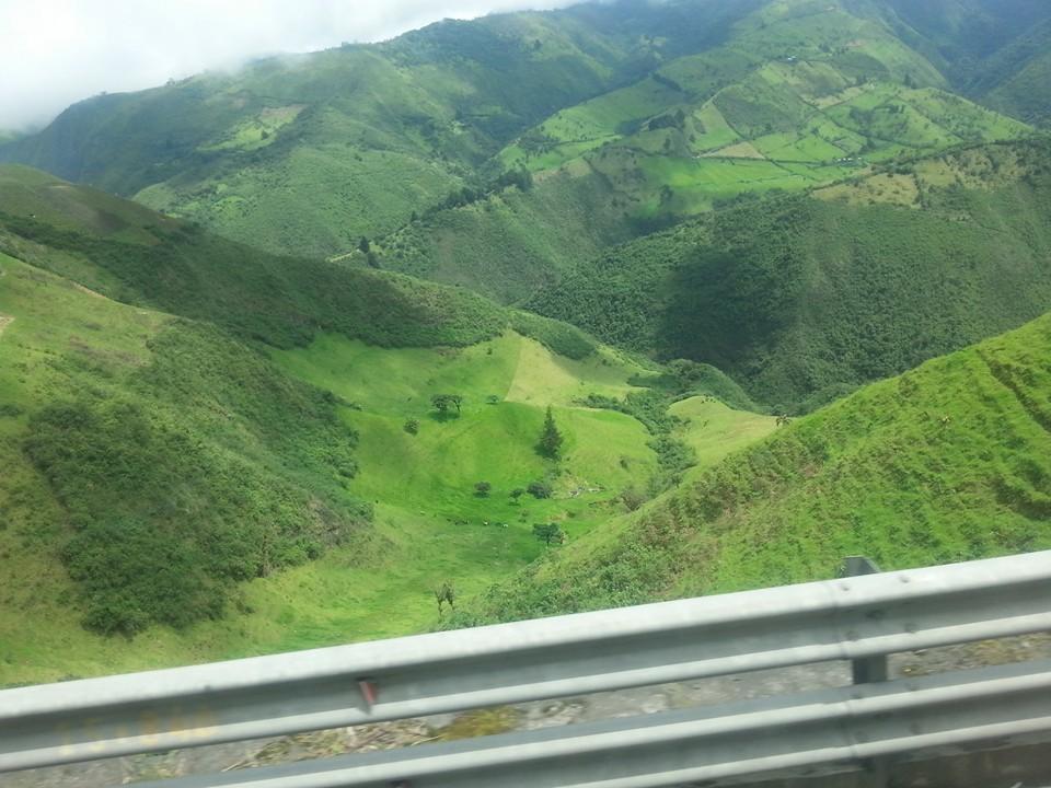 En autocar dans la Sierra en route de Quito vers Guayaquil