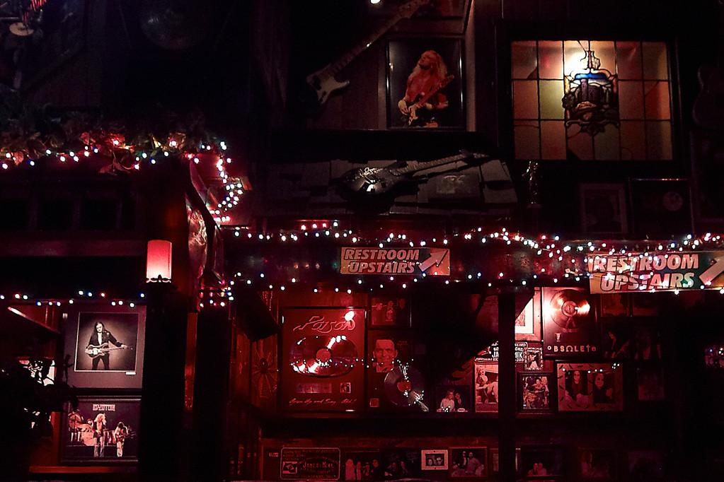 Memorabilia soweit das Auge reicht im Rainbow Bar & Grill (Foto: Christian Düringer)
