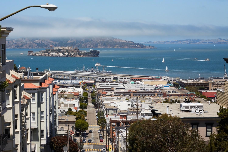 ...und den Blick auf die ehemalige Gefängnisinsel Alcatraz