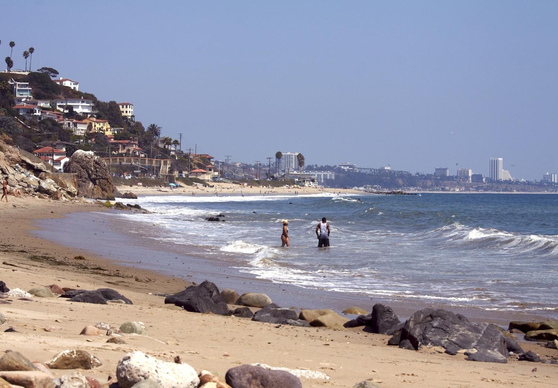 """Wobei der felsige Strand zwischen Malibu und Santa Monica dem Namen """"Rocky Beach"""" alle Ehre machen würde."""