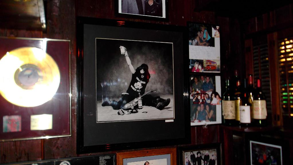 Memorabilia soweit das Auge reicht im Rainbow Bar & Grill (Foto: Zigzag)