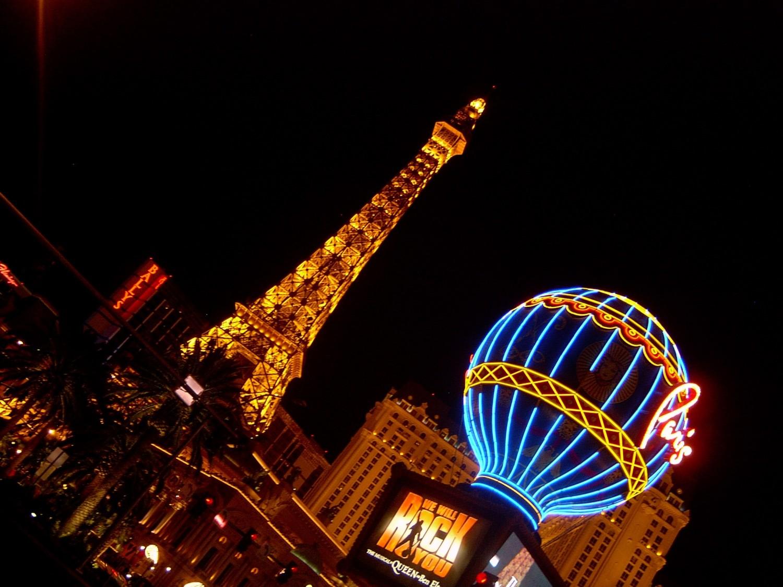 """...in einem der großen Hotel-Casinos am weltbekannten """"Strip"""""""