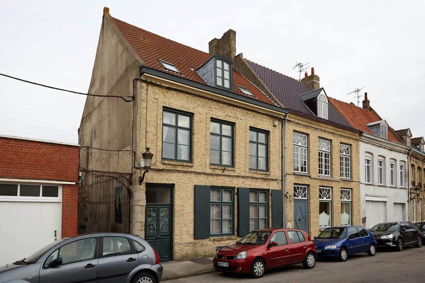 Unweit vom Schlachthof an der Place du Marché aux Fromages liegt Antoines Elternhaus und...