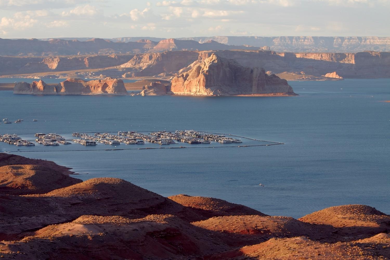 """In der Folge """"Geister-Canyon"""" kommen die drei ??? während ihres Road-Trips u.a. an den Lake Powell,..."""