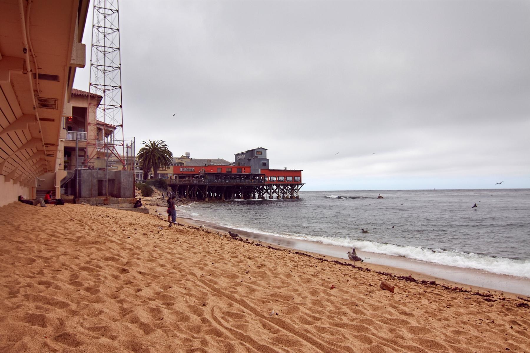 Am Strand kann man den Touristenströmen entkommen und kurz in Steinbecks Welt abtauchen.