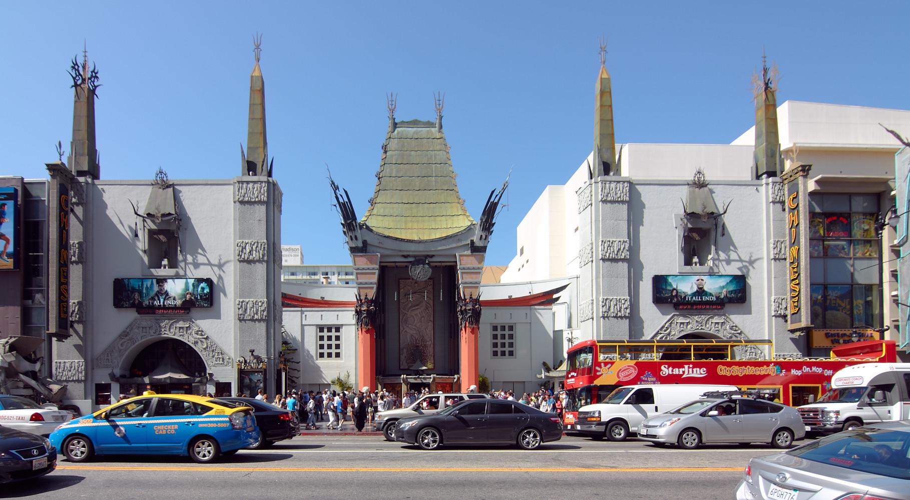 """Das """"Chinese Theater"""" wird in einigen Folgen erwähnt. In """"Feuermond"""" stoßen die die drei ??? hier z.B. auf ihe Widersacherin Brittany."""