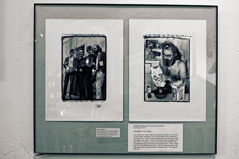 Fotos im Treppenhaus zeugen von Ginsbergs und Bob Dylans Besuch im City Lights in den späten 60ern. Der Laden ist heute auch ein wenig Museum und Bewahrer seiner eigenen Geschichte.