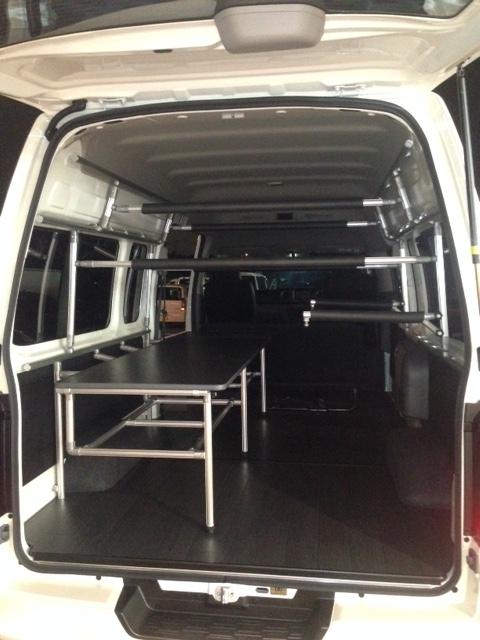 ▲NV350キャラバン ワイドスーパーロングにウインドサーフィン用のボードラックを取り付けました。
