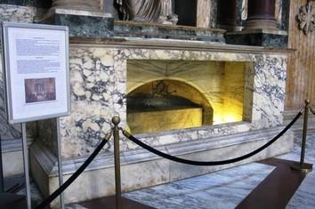La Tomba di Raffaello Sanzio al Pantheon