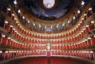 Teatro Costanzi, Roma -  Wikimedia (CC)