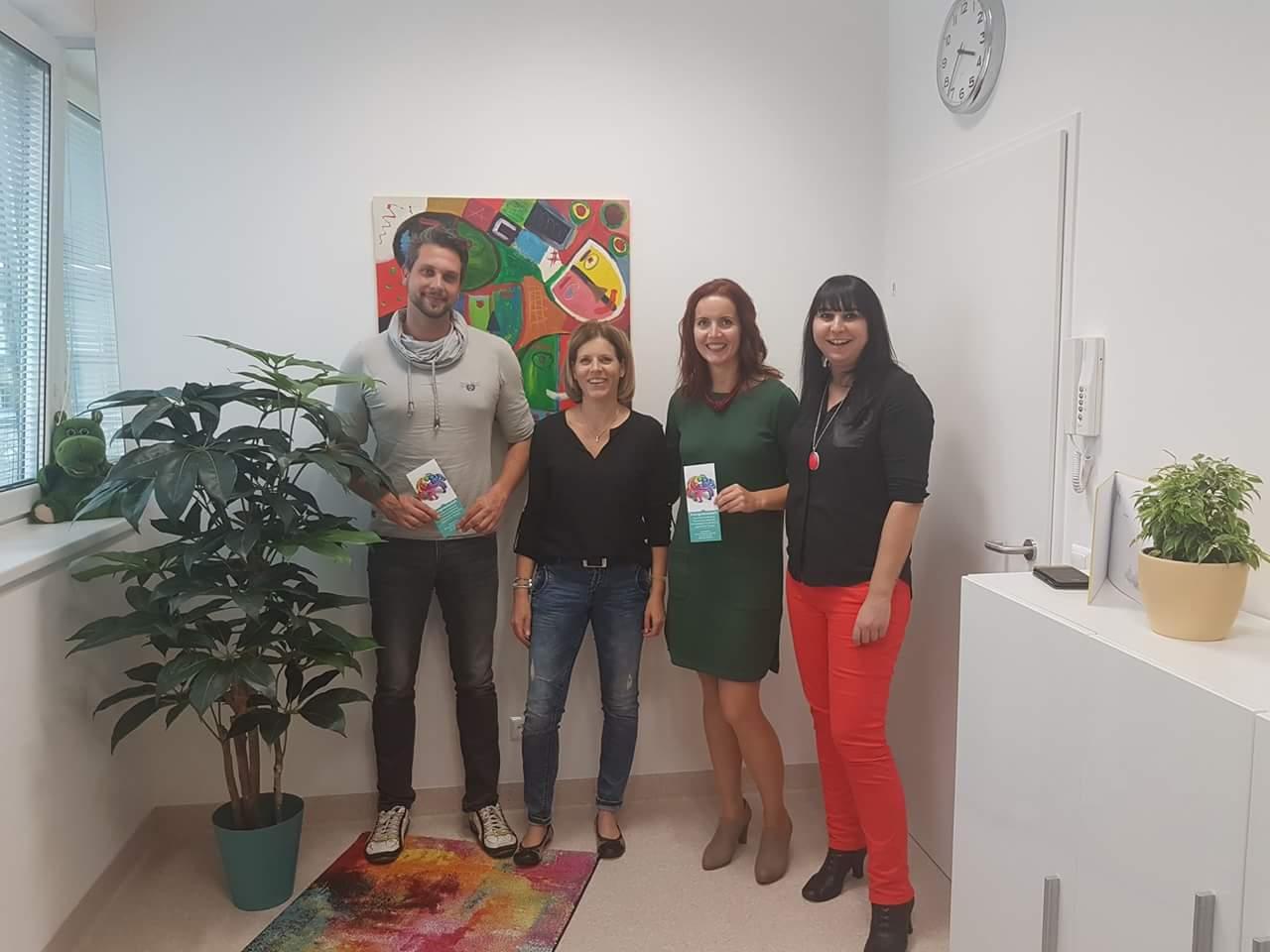 Unsere Kooperationspartnerinnen Ines Anette Steinthaler (Lernbetreuung, Stress- & Burnoutprophylaxe) und Anya Bestebner (Logopädie, alle Kassen)