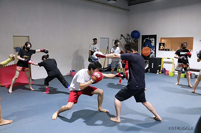 色々と効果のあるキックボクシング初心者クラス!