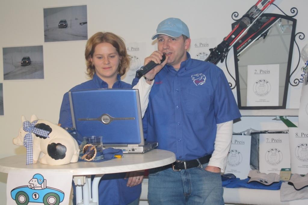 Michi als Co-Moderatorin bei der Rallyeautopräsentation