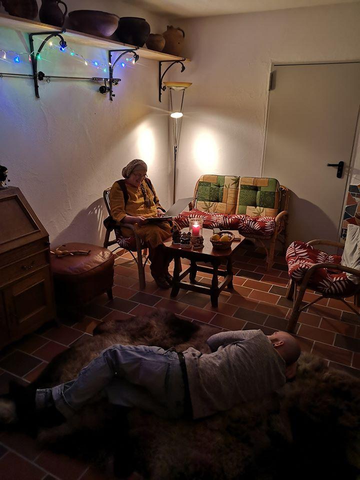 Die Märchenstunde im Märchenraum