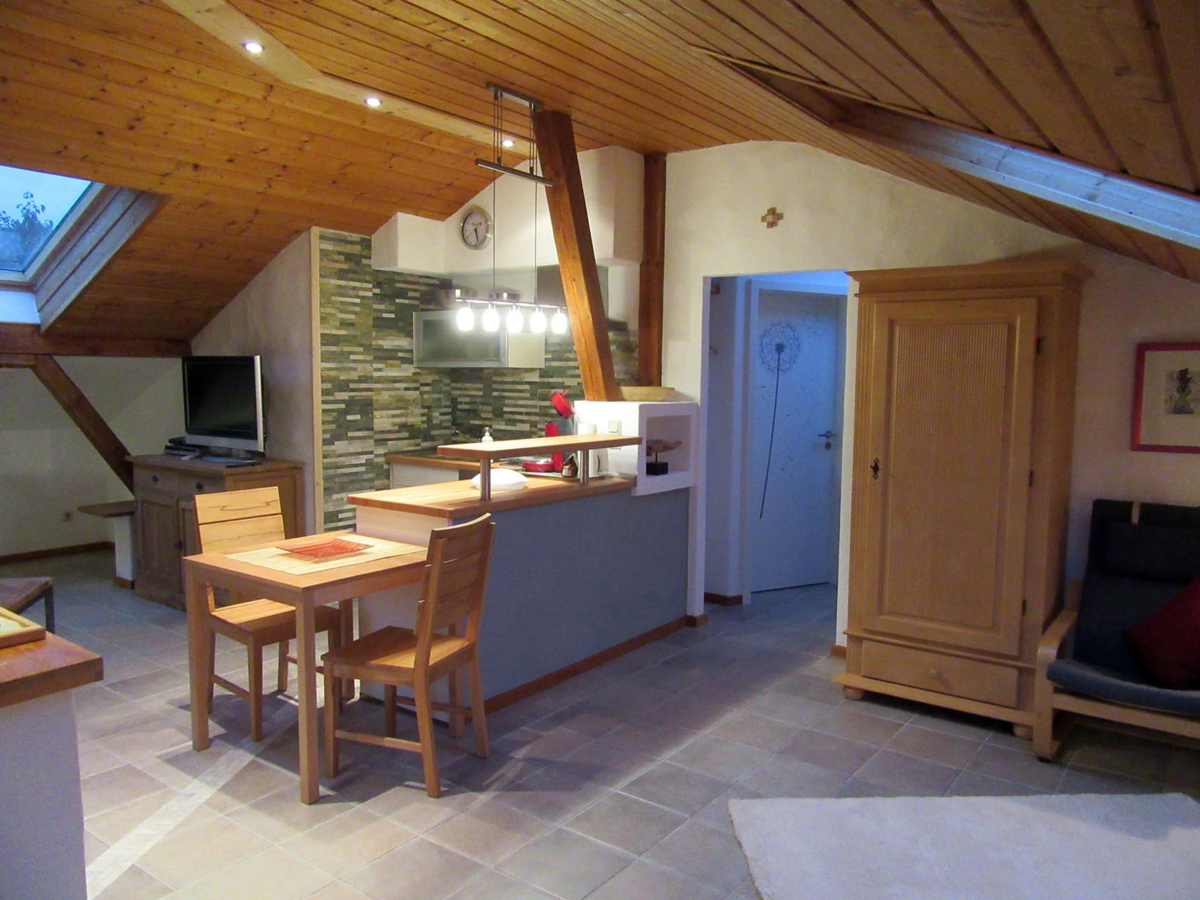 Esstisch und Küchenecke Ihrer Ferienwohnung