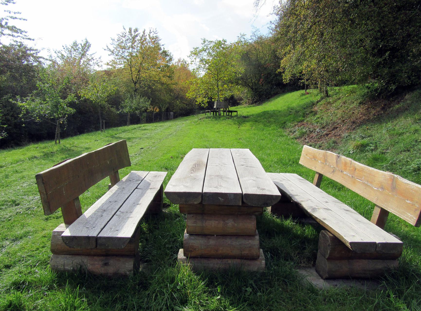 Platz für ein Picknick im Grünen – direkt im Garten