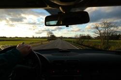 Autofahrt auf der Landstrasse