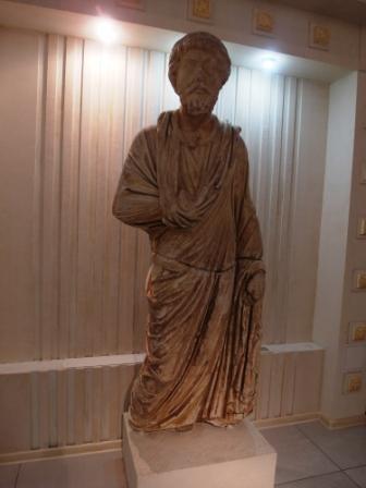 Статуя наместника Горгиппии Неокла