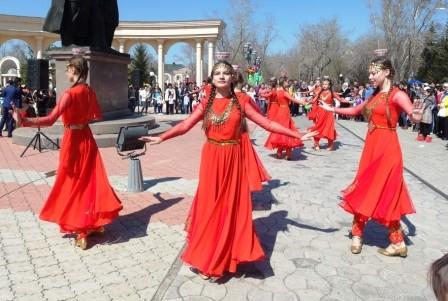 1 Мая. Танец с пиалами