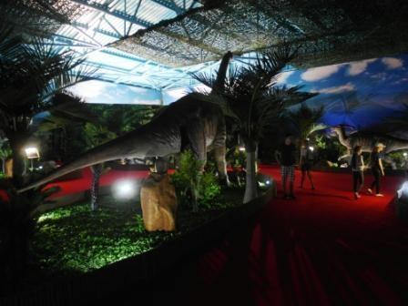 Брахиозавр от хвоста