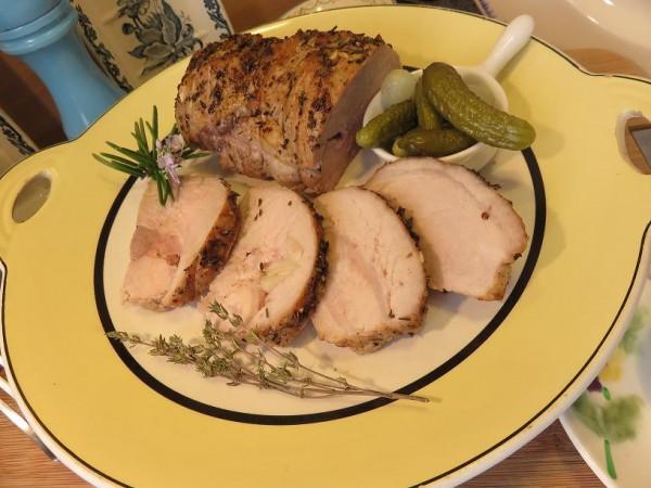 Canal Gourmandises - Chaud ou froid, le Rôti de porc de la Mère Mitraille est un délice !