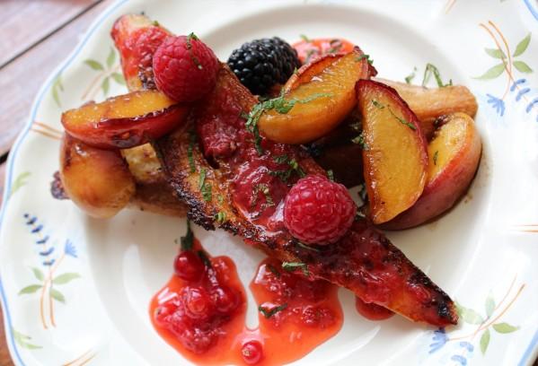 Pain perdu gourmand aux fruits d'été