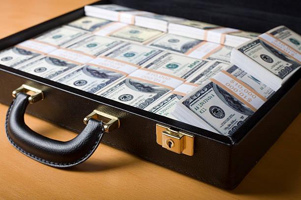 кейсы деньги cash