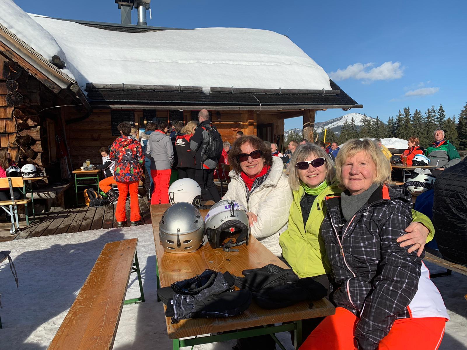1.Tag Skifahrer Damengruppe