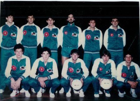 Formazione serie B Pallavolo Novara 1986, da sx: Tosatti, Kusmanov, Gogna, Bedana F, Mazzini, Celasco, Poli, Pozzato, Signorelli, Rizzoli, Bedana G.
