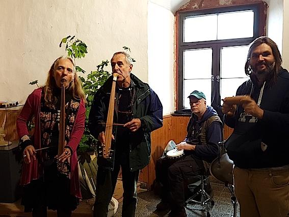tolle Session im Treppenhaus des Schlosses
