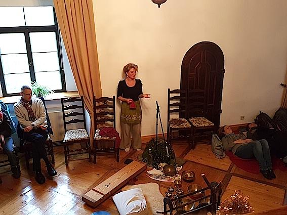 Donatella Abate - Matallklangschalenreise