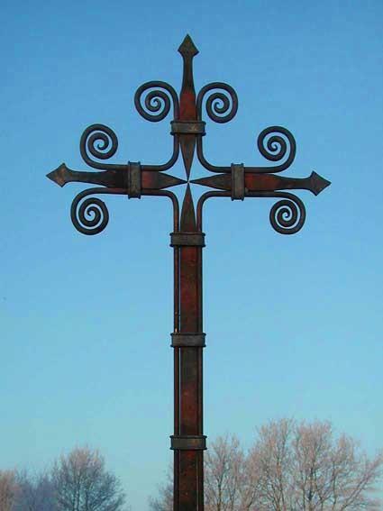 geschmiedetes Grabkreuz