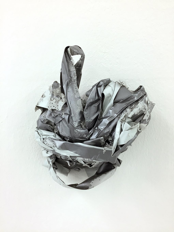 ,,tape'' 2018 / 20x20x20 cm Klebeband