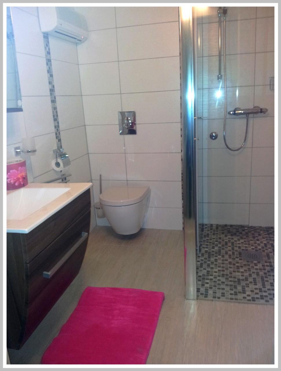 Votre  salle de bains  toute neuve avec cabine de douche
