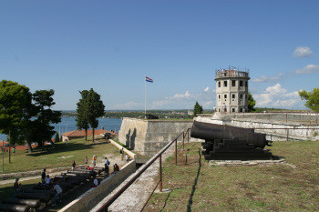 Visit the kastel fortress highest point of vue of Pula