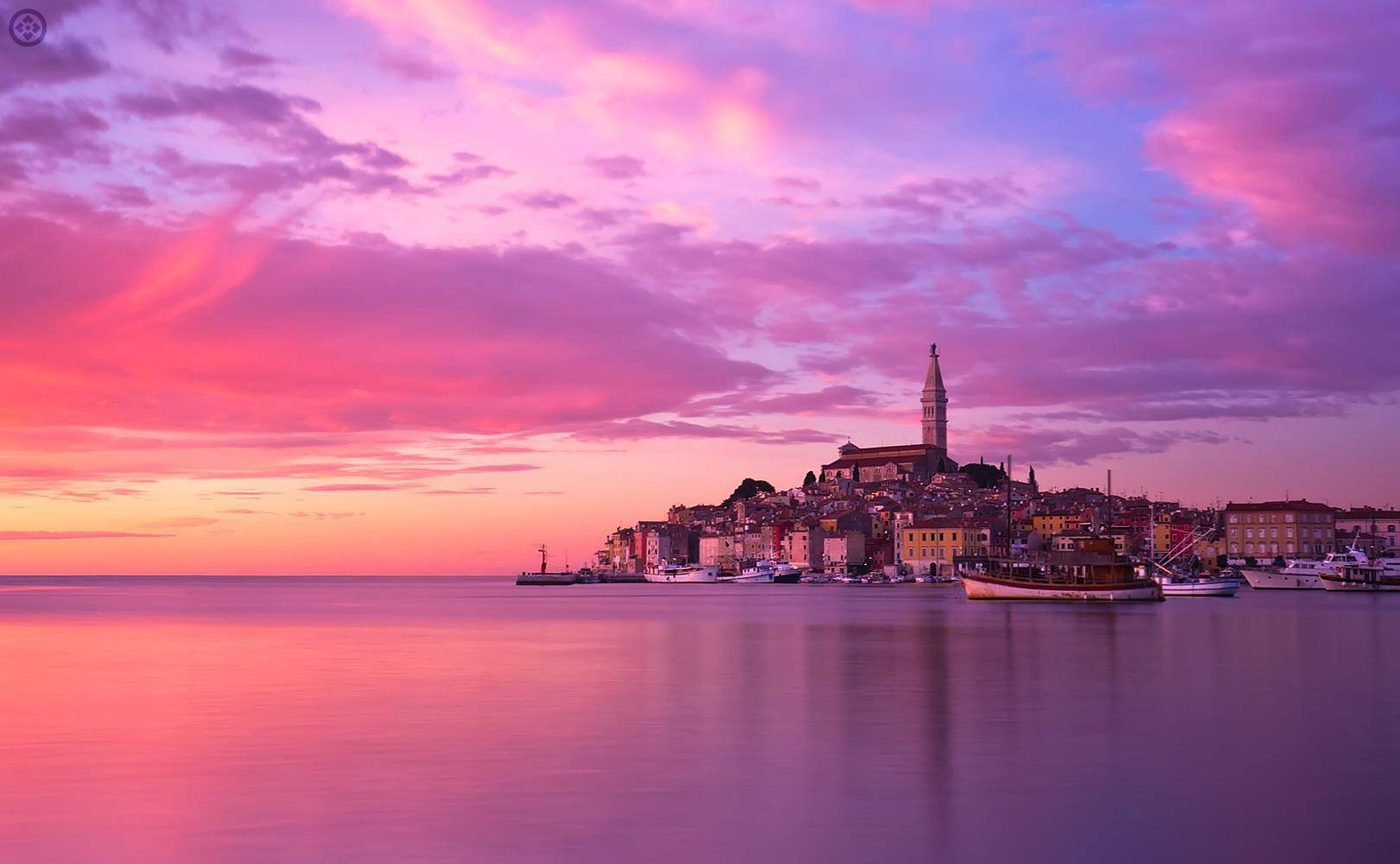Rovinj the Pearl of Istria...only 20 mn away by boat from Riva (300m away)