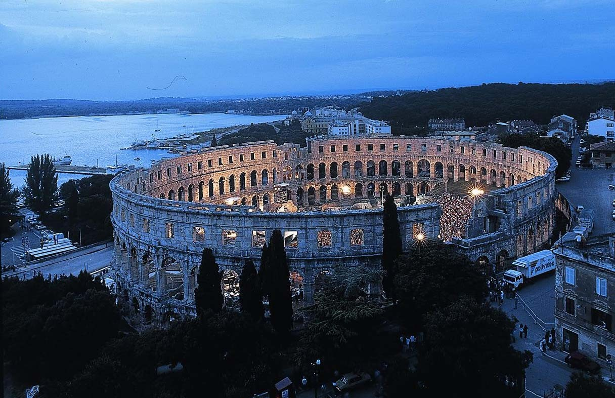 Pula's 3000 years old Arena...700m away many events there!!