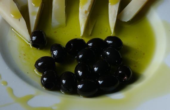 Extra vergin olive oil..